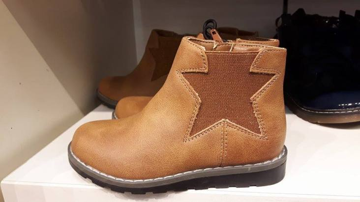 28th Dunnes star leather boot kids