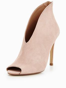 pink boot lwoods