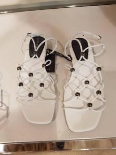 hite sandals