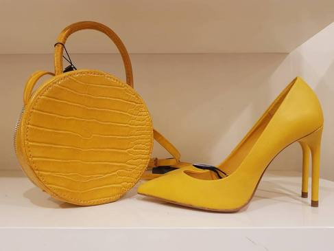 mustard bag shoes